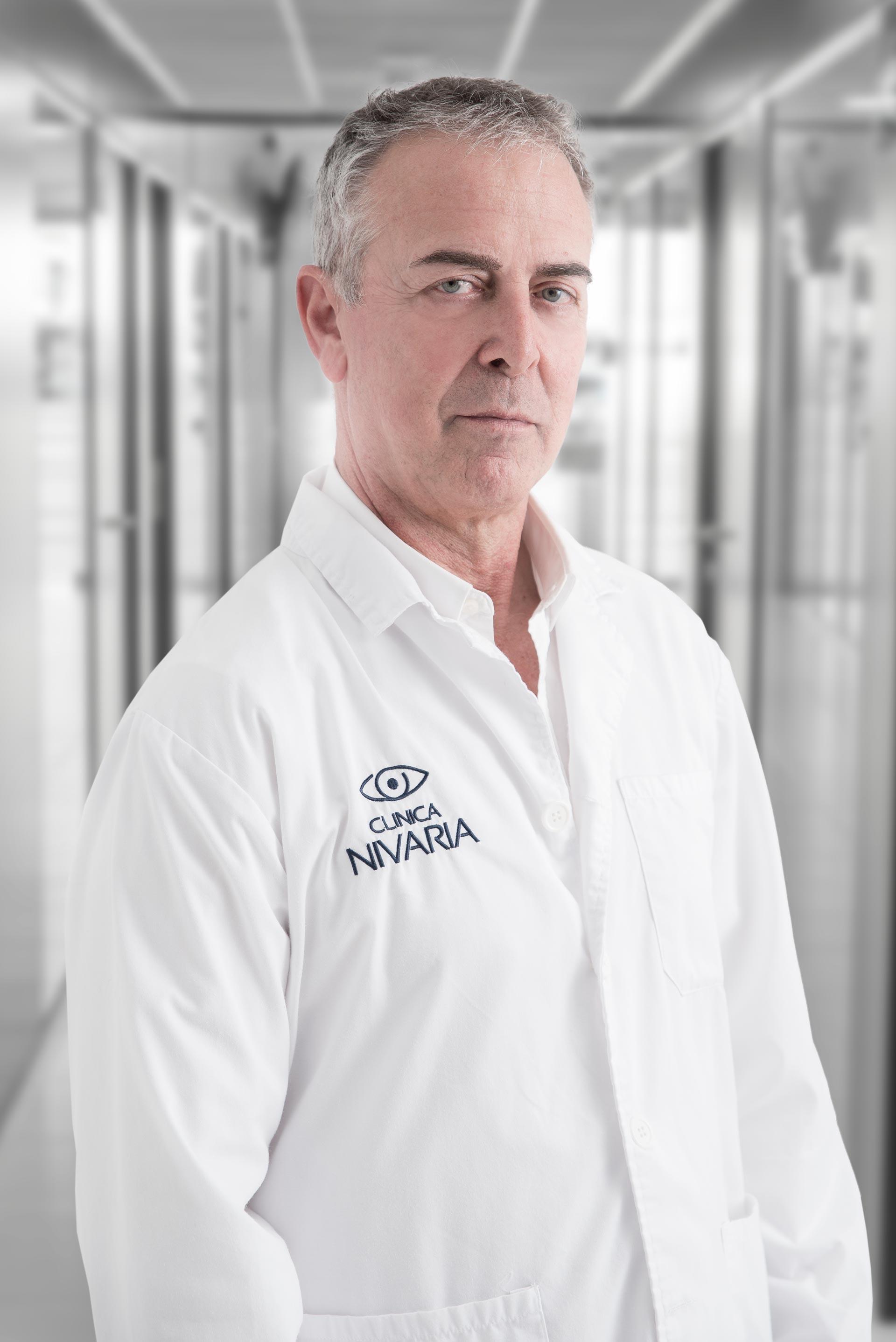 Dr. Luis Naharro
